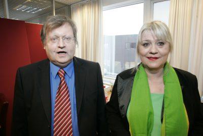 Ætli Arnþrúður og Pétur skelli sér í skólina?