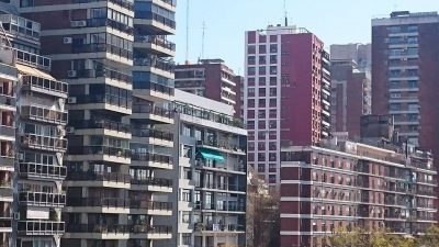 Í Buenos Aires búa rétt tæplega 3 milljónir manna.