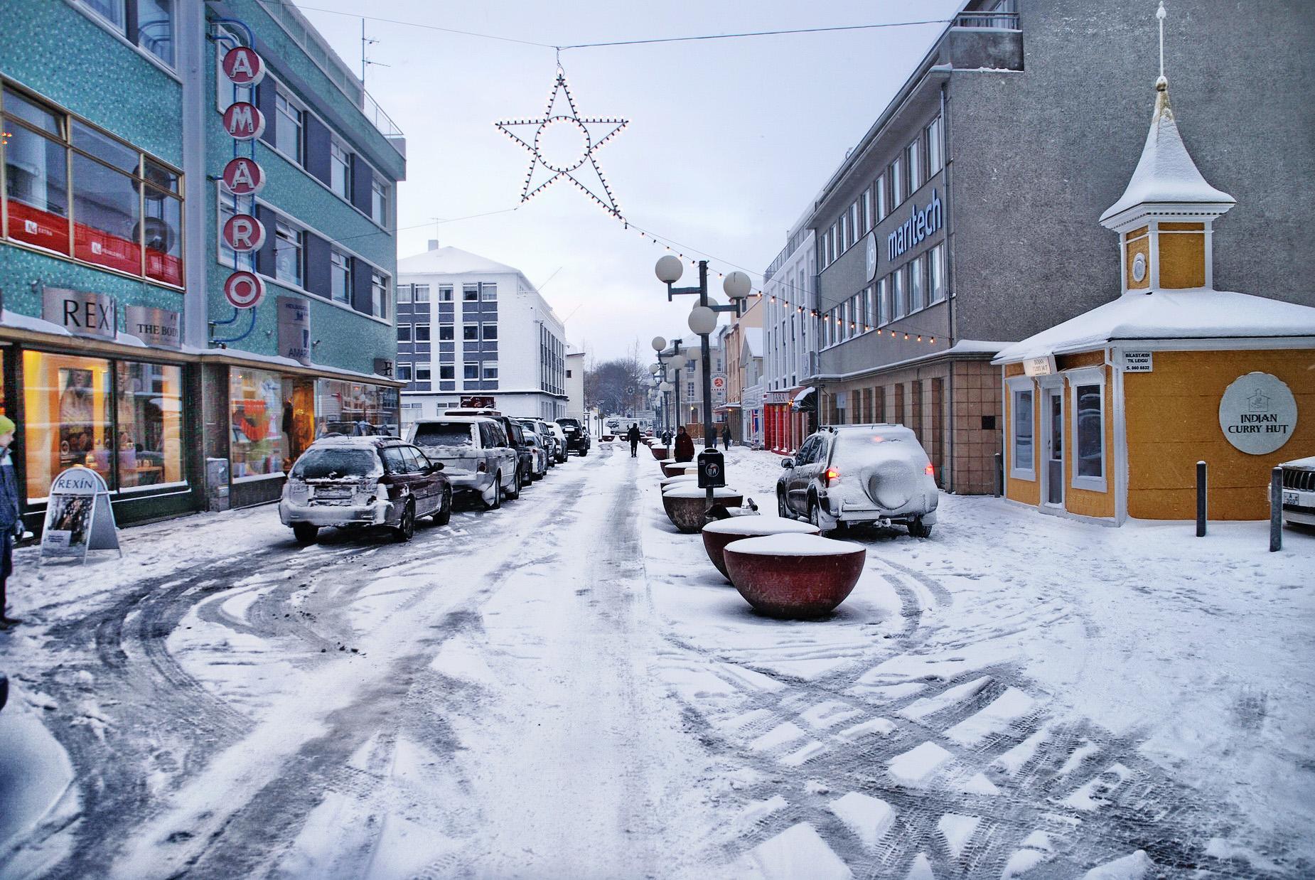 Skoðanakönnun meðal íbúa Akureyrar um salt eða sand á göturnar