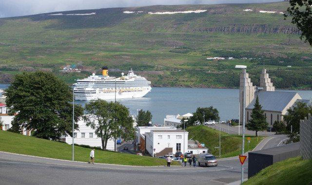 Hátt í 90 skemmtiferðaskip til Akureyrar í sumar