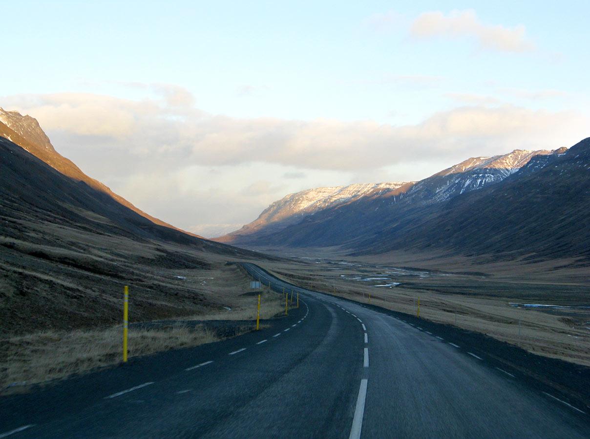 Fluttur á Sjúkrahúsið á Akureyri eftir bílveltu