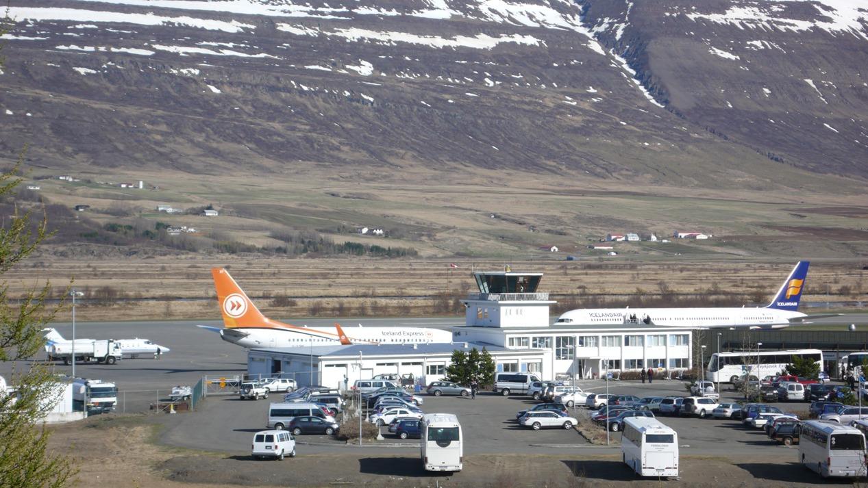 Styttist í ILS búnað við Akureyrarflugvöll