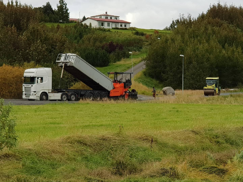 Malbikun hafin við hjólreiðastíginn milli Hrafnagils og Akureyrar