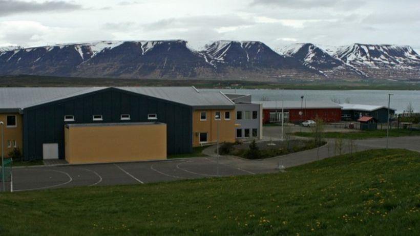 Kveiktu í Valsárskóla á Svalbarðsströnd