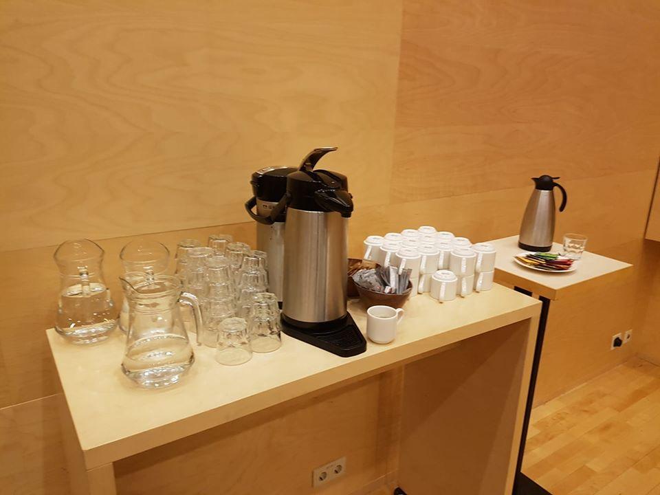 Kaffi, vatn og te á bæjarstjórnarfundum á Akureyri