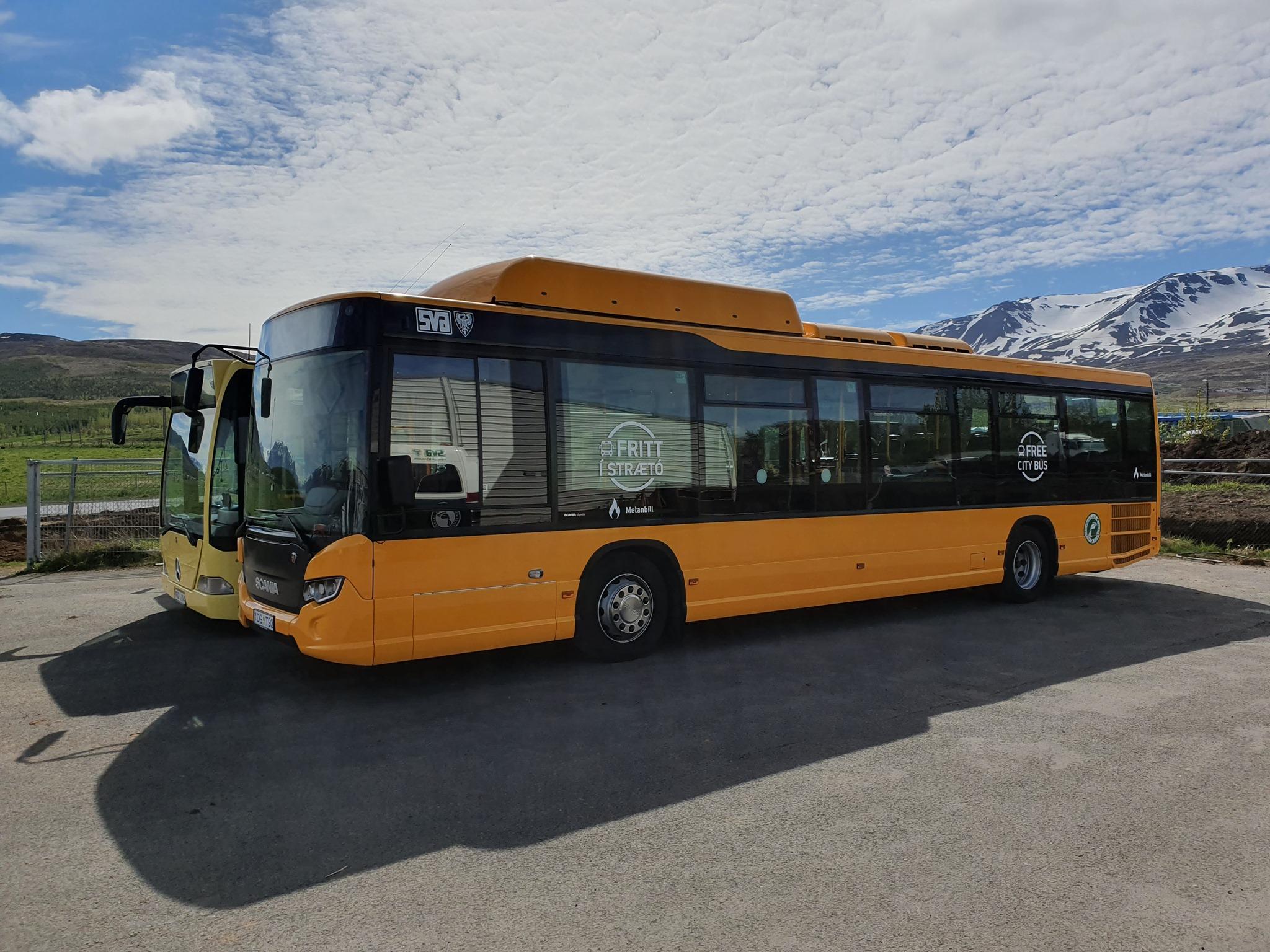 Slakað á grímuskyldu í strætisvögnum Akureyrar