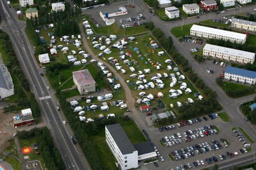 Tjaldsvæðum á Akureyri skipt niður í 100 manna hólf