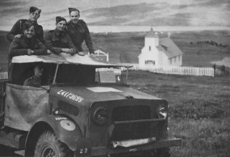 """""""Þarna er fallegi afi minn Torfi sem dó 1949 ljóslifandi á filmu"""""""