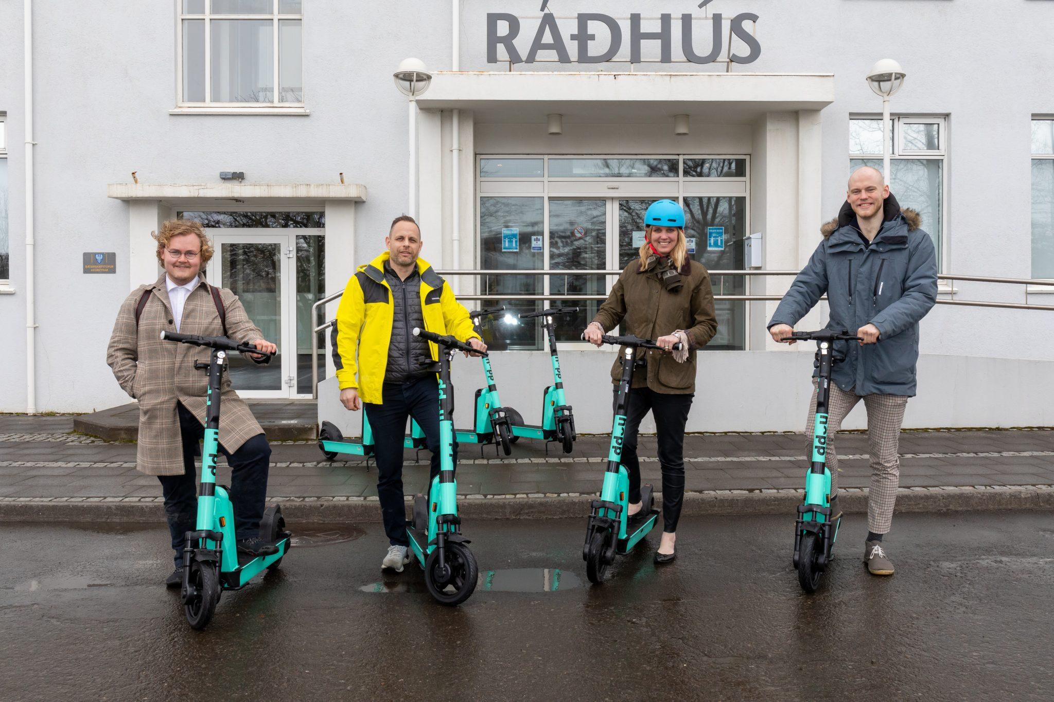 Búið að opna rafskútuleigu Hopp á Akureyri