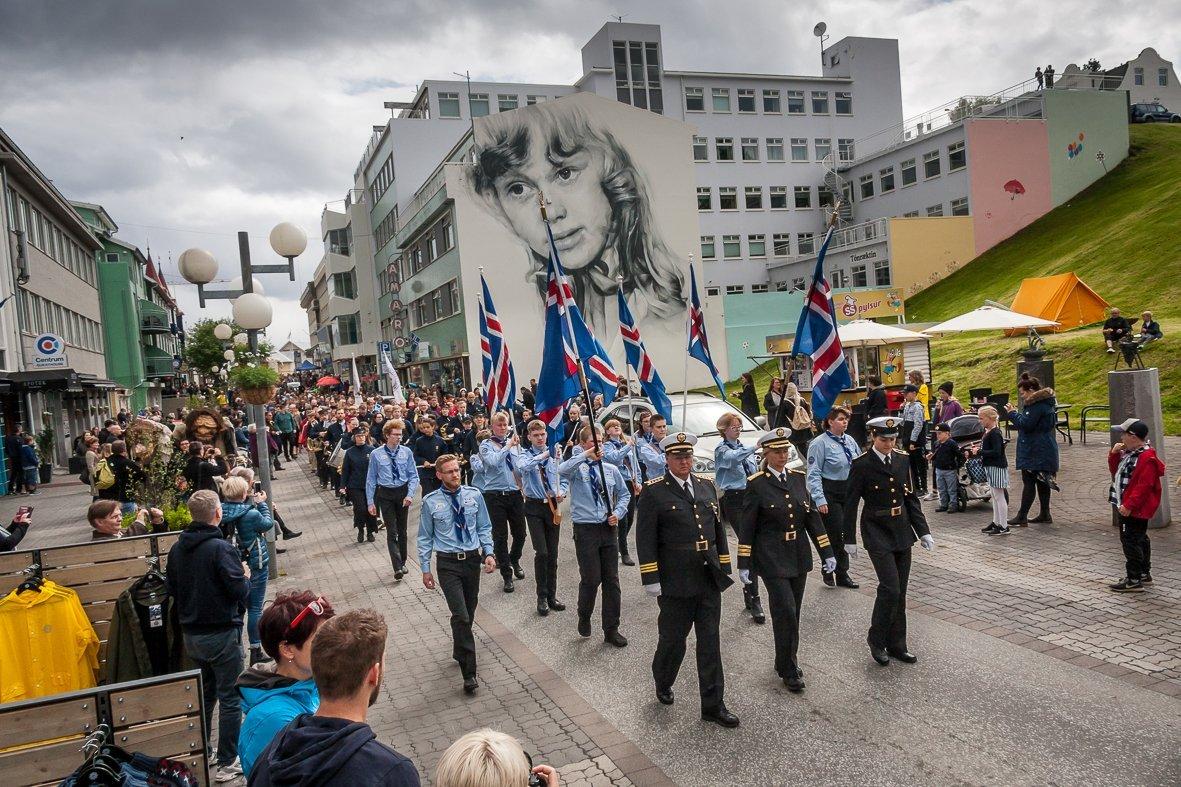 Hátíðardagskrá Akureyrarbæjar á 17. júní með nokkuð hefðbundnu sniði